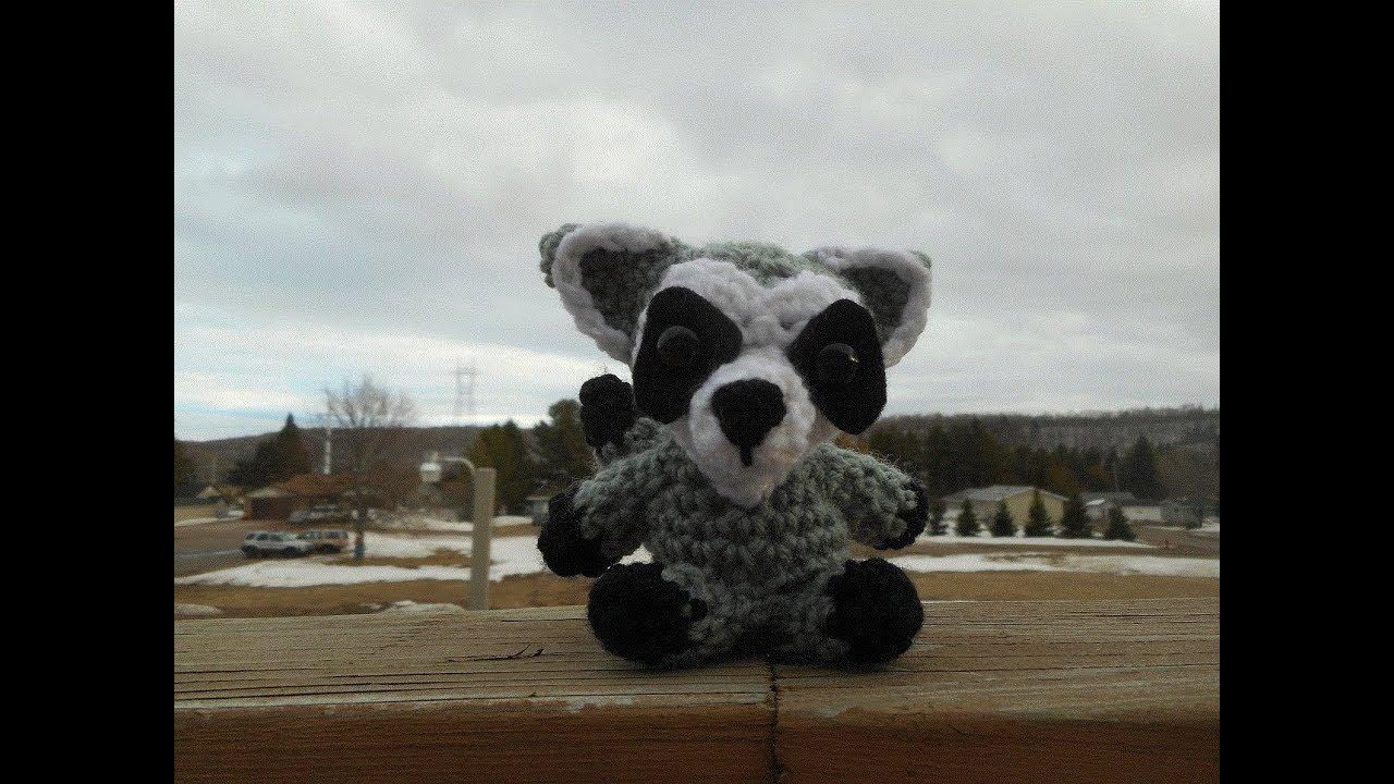 Raccoon amigurumi pattern - Amigurumi Today | 720x1280