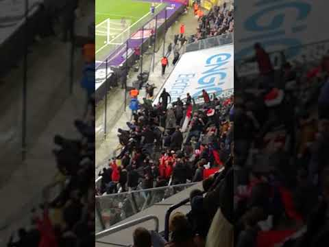 Anderlecht fans stole a banner of supporters of Standard