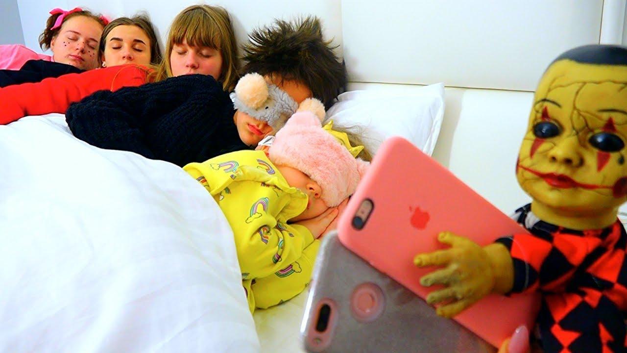Брошенная кукла СТАЩИЛА телефоны!!! // Леди Диана