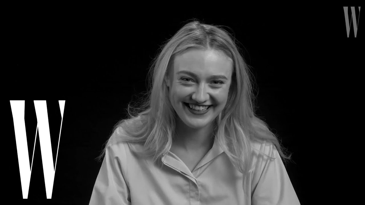 She played the child melanie. Dakota Fanning Had Her First Kiss At Age 7 In Sweet Home Alabama Screen Tests W Magazine Youtube