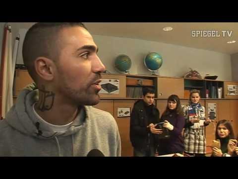 Rapper bushido als lehrer an berliner realschule spiegel for Youtube spiegel tv
