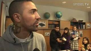 Rapper Bushido als Lehrer an Berliner Realschule - SPIEGEL TV