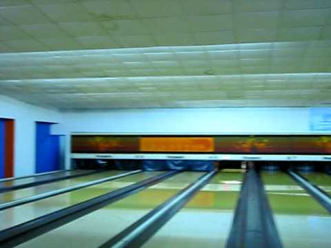 miracle bowling shot!! - Milagrosa media Chuza!!!