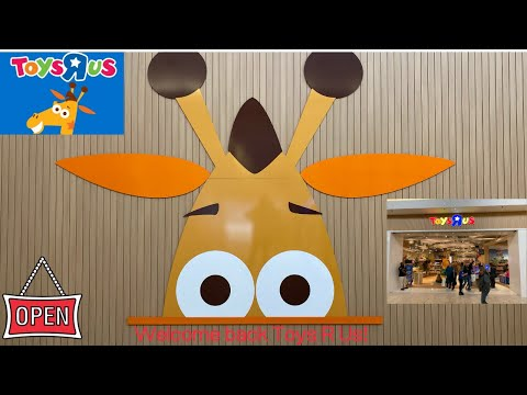 First Toys R Us In The US Grand Opening At Garden State Plaza In New Jersey