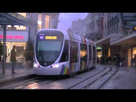 【HD】Tramway d'Angers - Le tramway Arc en ciel