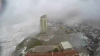 লাইভ ভিডিওতে উঠে আসা দৃশ্যে দেখুন ঘূর্নিঝড় ম্যাথিউ কতটা ভয়ঙ্কর ছিলDramatic Time Lapse Shows Hurricane Matthew Slam Jacksonville Beach