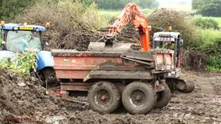 Building A Slurry Pit (8) - Volvo and Doosan Action.