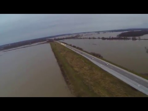 2015 Missouri Floods, Mississippi river Alton, IL DJI Phantom 2 GoPro Hero 3