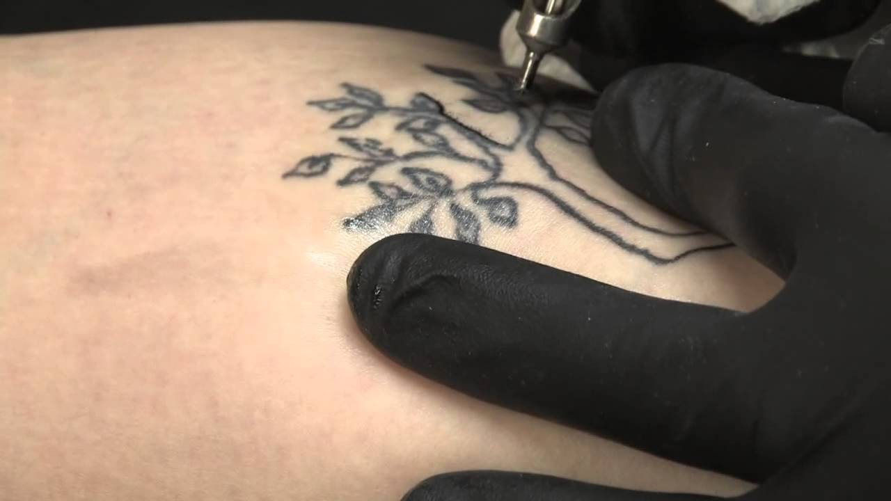 How to Use a Tattoo Machine - YouTube