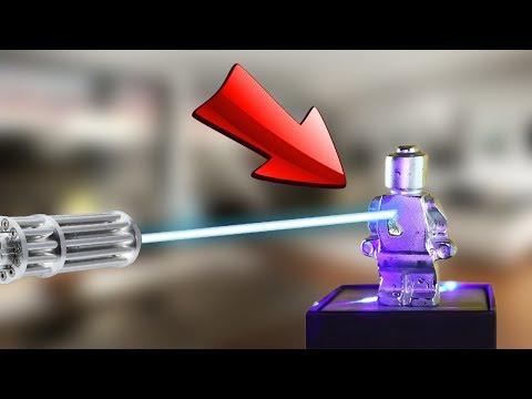 Laserstrahl VS Gallium Lego Figur!