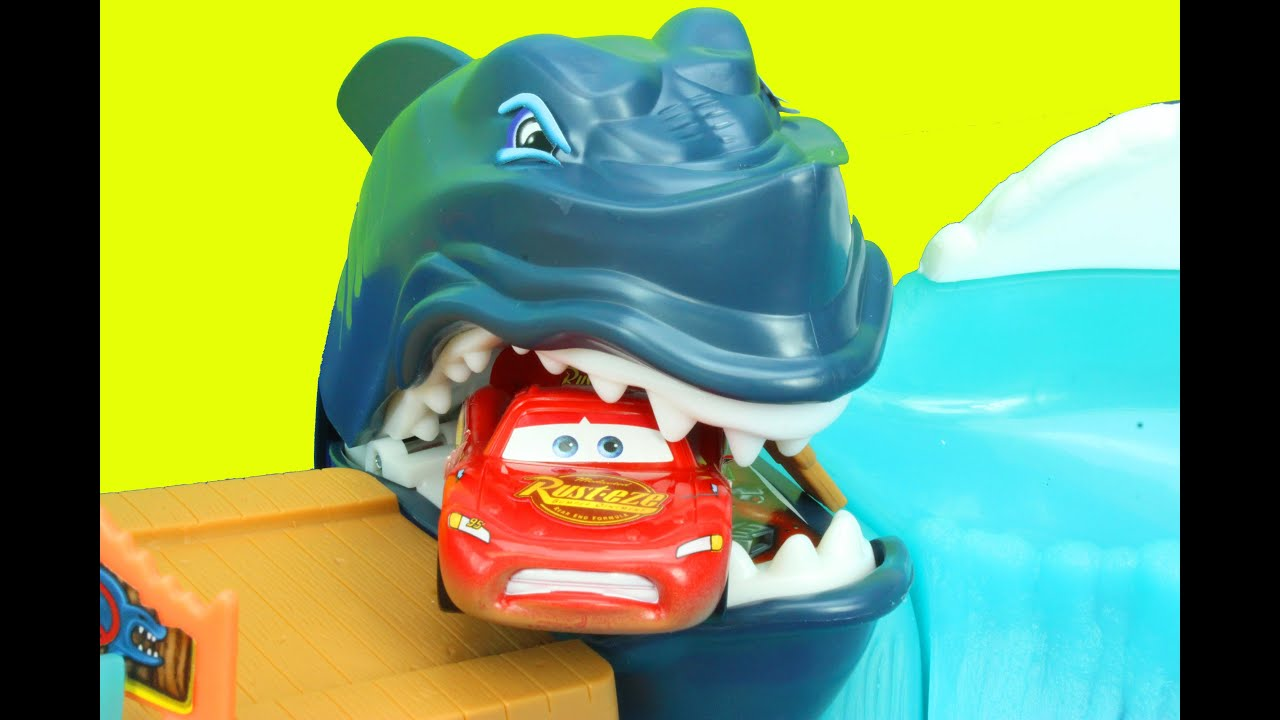 Hot Wheels Shark Park Lightning McQueen Eaten By SHARK ...