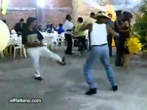 borrachos bailando ( un rayito de sol ) - YouTube