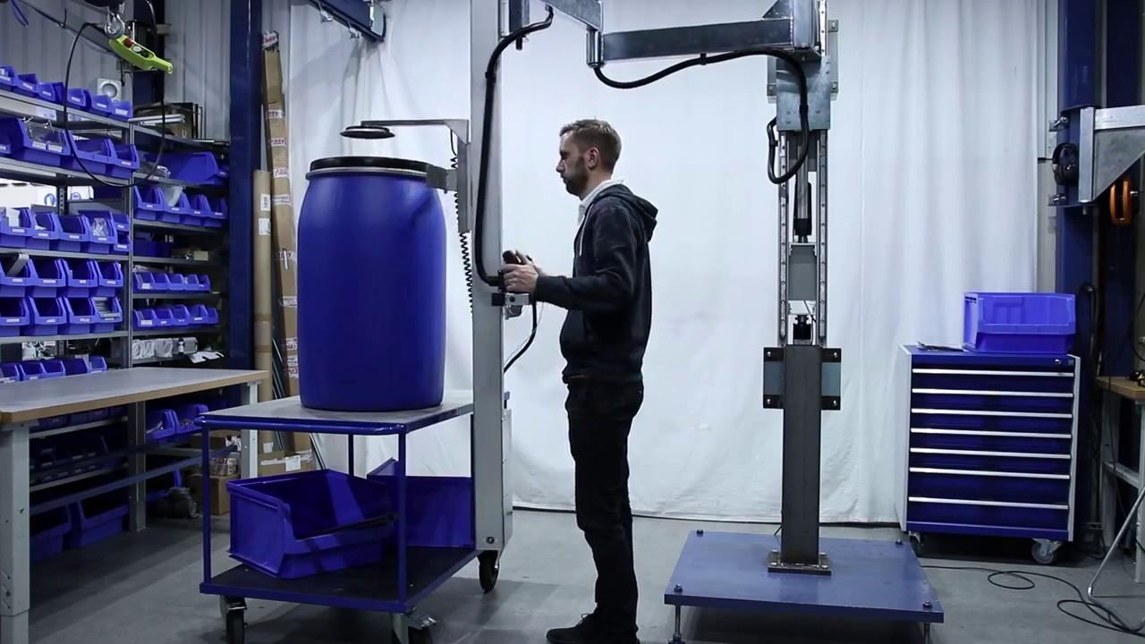 Elevador por vacío para bidones en brazo articulado con columna