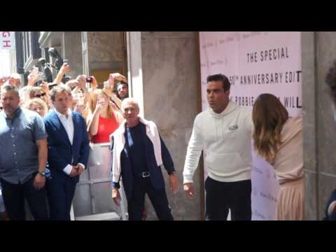 closer at half off store Ayda & Robbie Williams presents new Marc O'Polo collection ...