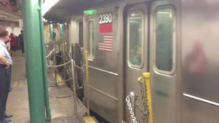 #1 Subway stopping at South Ferry Loop, New York City