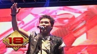 Download Lagu Armada - Kekasih Yang Tak Dianggap  (Live Konser Pati Jawa Tengah 28 Agustus 2013) mp3