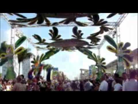 Desfile Carnaval Punta Cana :: Grupo de Lechones Los Joyeros ::