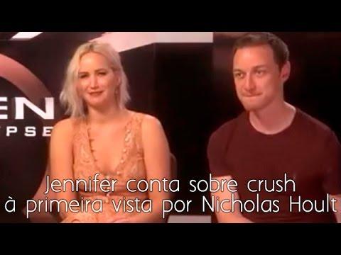 Jennifer Lawrence conta sobre a primeira vez que viu Nicholas Hoult (legendado)
