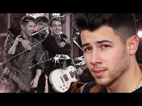 """How Nick Jonas """"betrayed"""" the Jonas Brothers"""