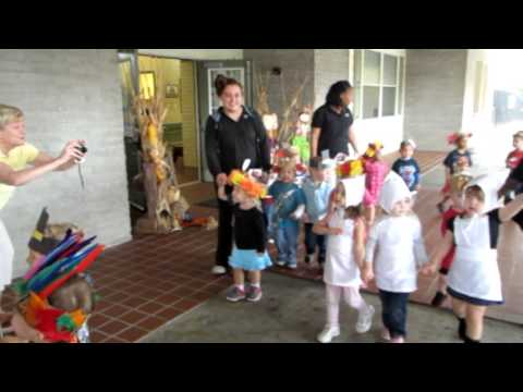 Indians and Pilgrim Parade at Primrose School of League City at South Shore