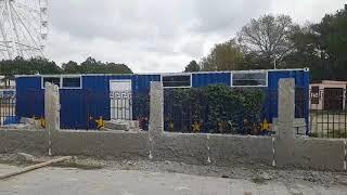 Анапа.Детский парк. Забор частично разрушают. 27.10.2017