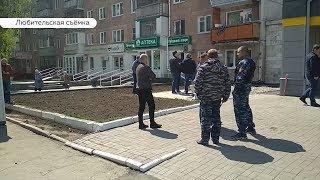 Как в 90-е: в Барнауле не поделили территорию владелец киоска и магазин известной торговой сети