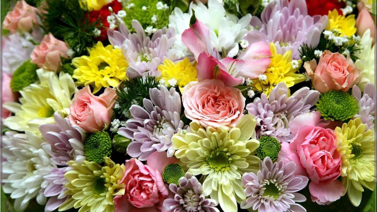 Открытка с хризантемами к 8 марта