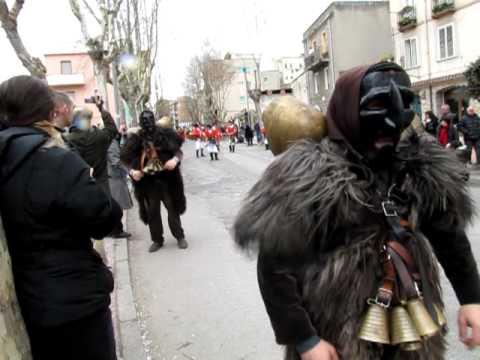 Download Carnevale Sardo Nuoro 12 marzo 2011 Mammuthones pt. 3