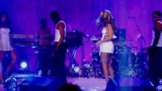 Beyonce Knowles - Naughty girl (live from headliners)