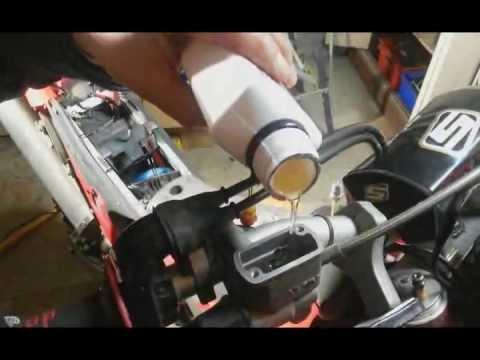 vidange circuit de freinage 2 me m thode youtube. Black Bedroom Furniture Sets. Home Design Ideas