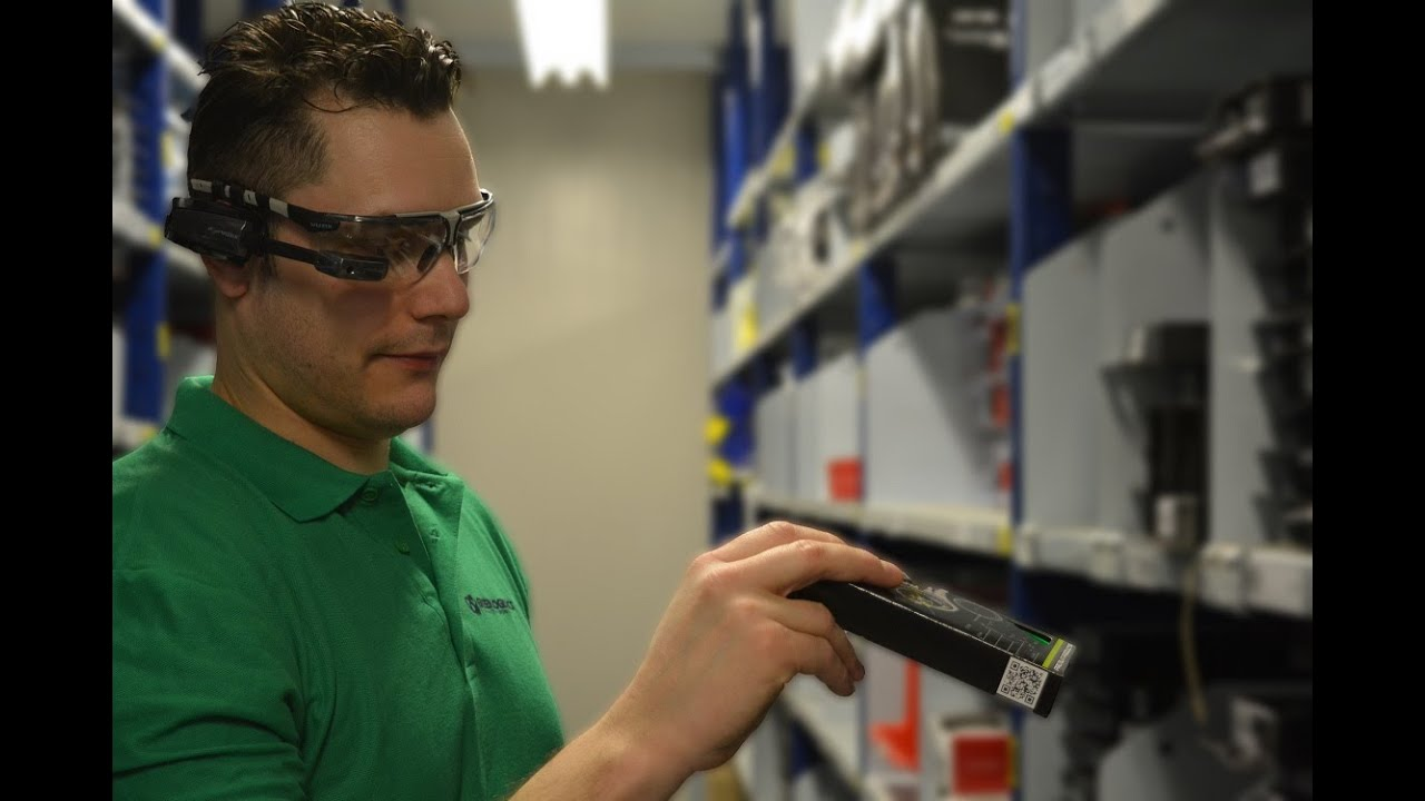 Smart glasses order picking innovation in warehouse and logistics – Logistics Technician