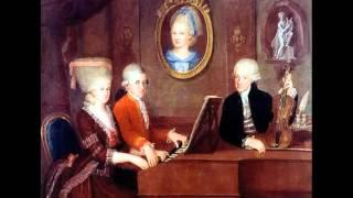 W.A.Mozart - K. 103 - 19 Minuetti per orchestra