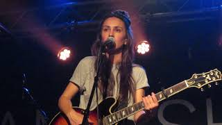 "Amy Shark - ""You Think I Think I Sound Like God"" (Live in Boston)"