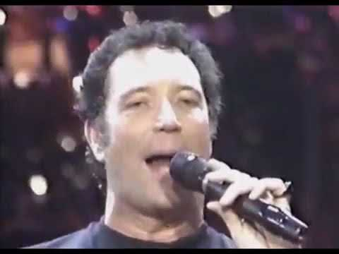 TOM JONES   Kiss 1989