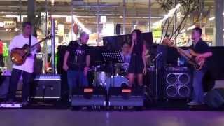 Bluzz Bus Band feat. Soukma - Melayang (January Christy)