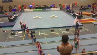 Gambar cover 05-06-2016 Sophie goud NK toestelfinale balk. Opkomst en prijsuitreiking.