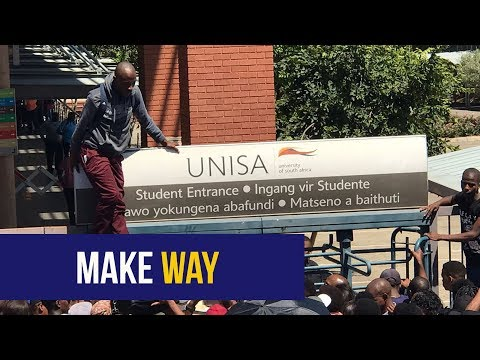 WATCH: Students jump over UNISA Sunnyside gate entrance to register