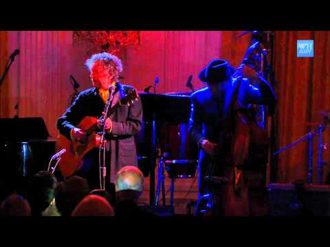 Bob Dylan Performs at the White House: 9 of 11