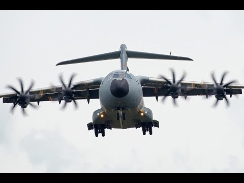 Airbus Military A400M EC-402 Training at Clermont-Ferrand Auvergne Airport !