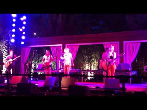 """Maggie Rose - """"Locked Out Of Heaven (Bruno Mars Cover)"""" - Silverton Casino - 5-18-13"""