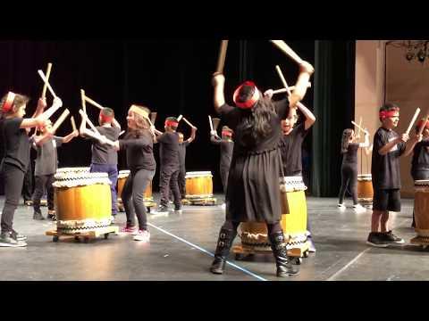 Ann Soldo Elementary School 3rd graders drum Peachtree