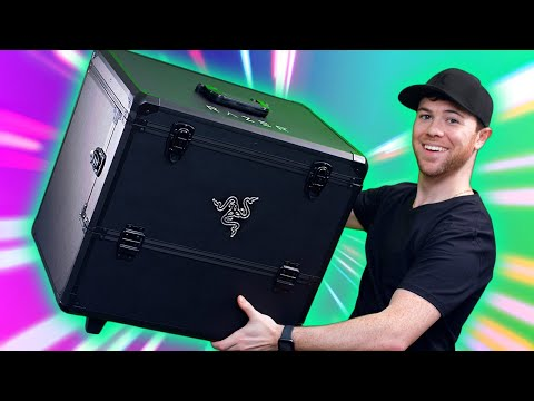 Razer Sent Me a GIANT GAMING PACKAGE!