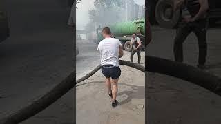 Затушили говном!#говно сұрақ! Жанып форд транзит Янино... Санкт-Петербург