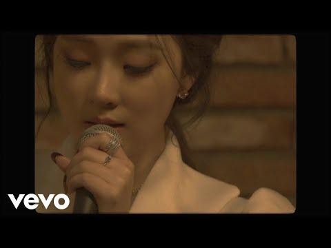 Смотреть клип Saay - Winter Feat. Woo