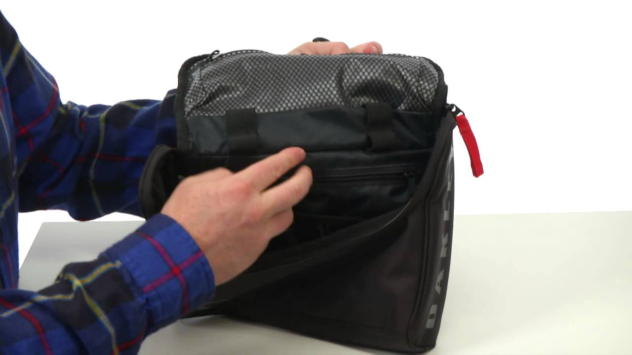oakley body bag 2.0 sku:#8184293 - youtube