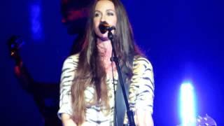 Alanis Morissette - Citizen of the Planet (mistake/restart)  live