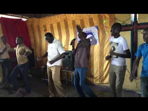 Lokiyoto in Nyangatom - Nyisakakin ngichan bon!