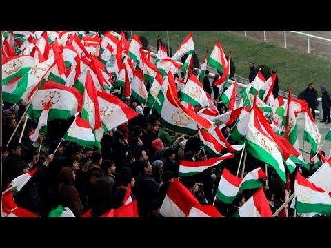 Таджикистан отмечает День государственного флага