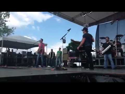 A day in the country music festival 4