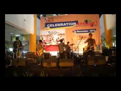 TRAVIC BAND @ JATOS - MAROON5